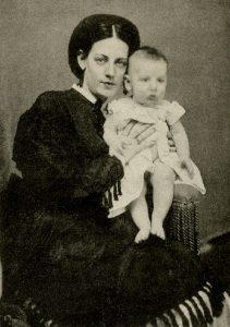 Arabella Worsham con su hijo Archer, hacia 1871