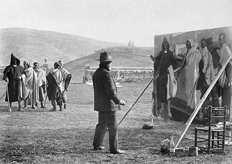 Joaquín Sorolla pintando en Soria, octubre de 1912. Fotografía de Aurelio Rioja de Pablo. Museo Sorolla, Madrid